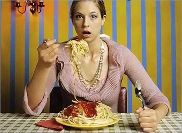 Заедаю стресс едой: что делать?