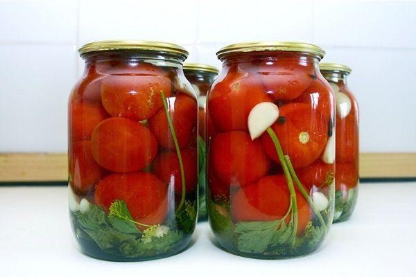 Заготовки на зиму: маринованные помидоры. Лучшие рецепты